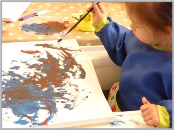 scarlett-painting-a-picture