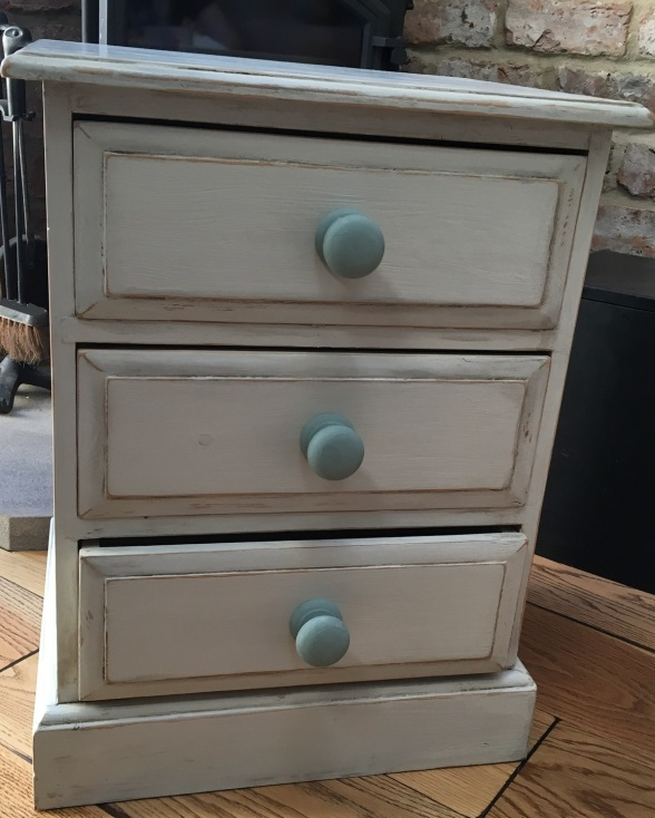 The old pine drawers
