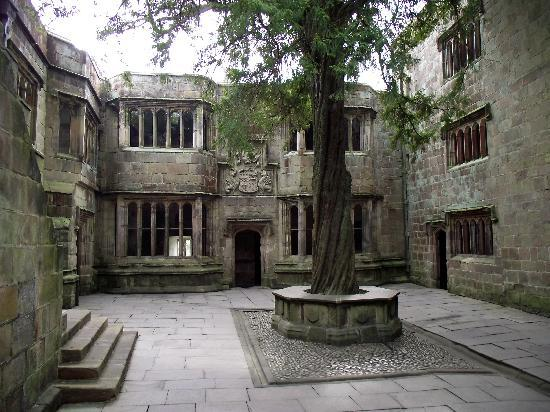 The Tudor Courtyard