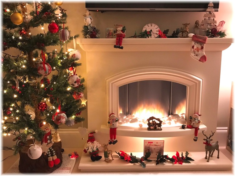 Christmas Fireplace 2018