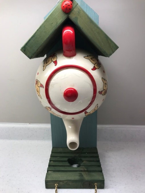 A teapot for birds